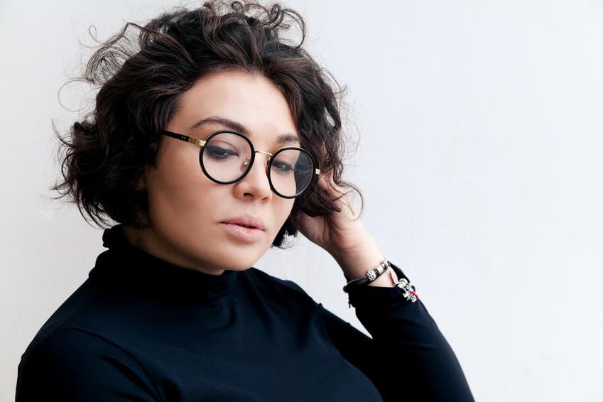 Vérification des dimensions de vos lunettes - un plus fourni par votre opticien Gweleo